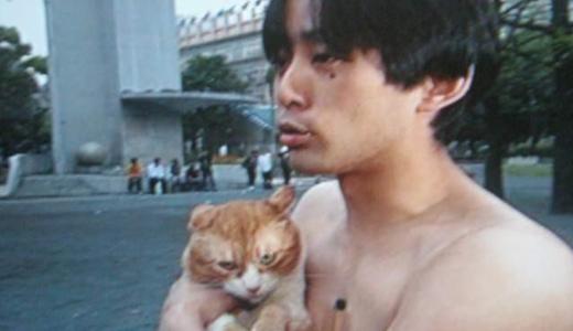 【画像】岡本昭彦社長の猫抱きブリーフがヤバイ!ガキ使出演まとめ